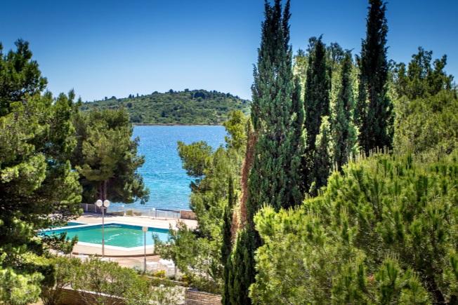 Look-Voyages-Croatie-Club-Lookea-Dalmatia-piscine-2