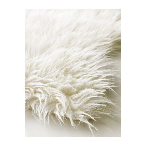 tapis-peau-de-mouton-synthetique