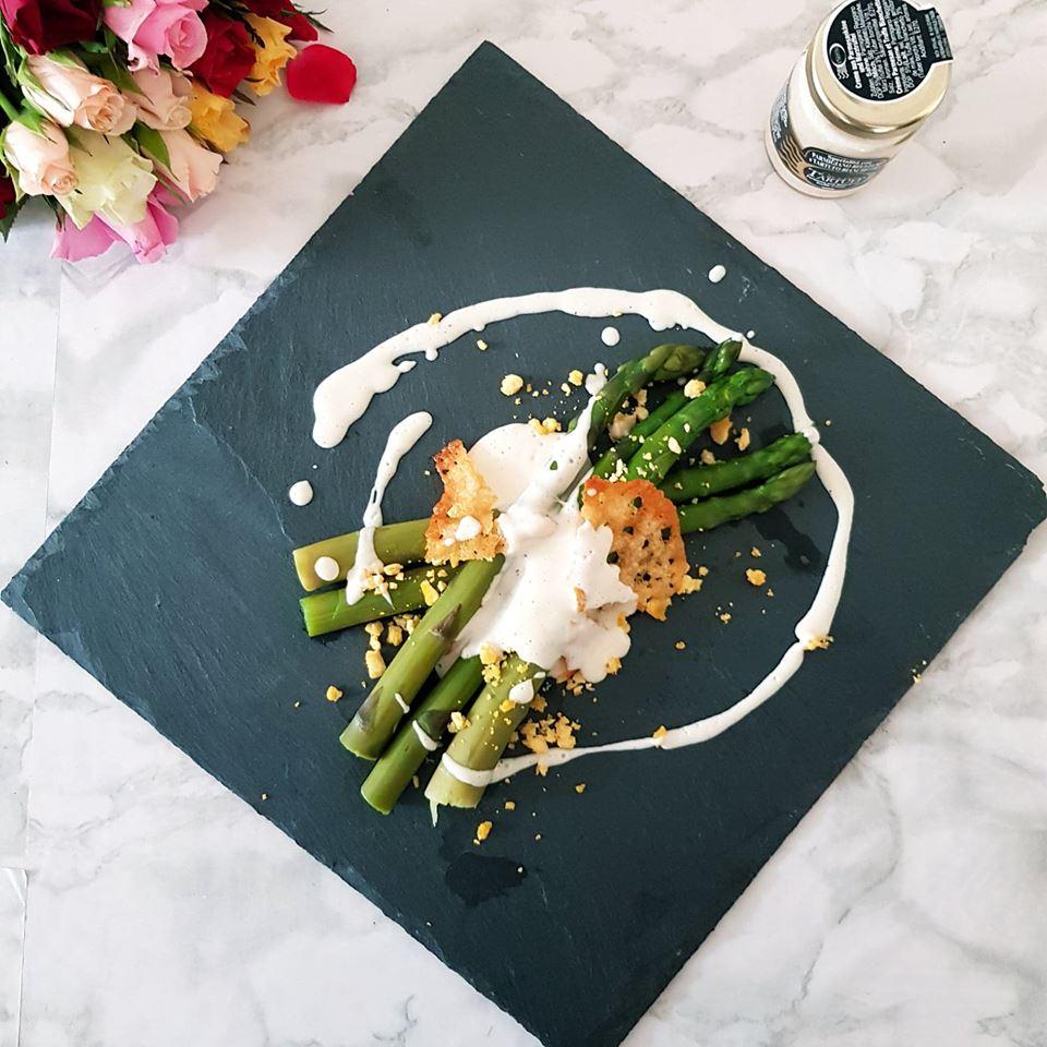 asperges-sauce-parmesan
