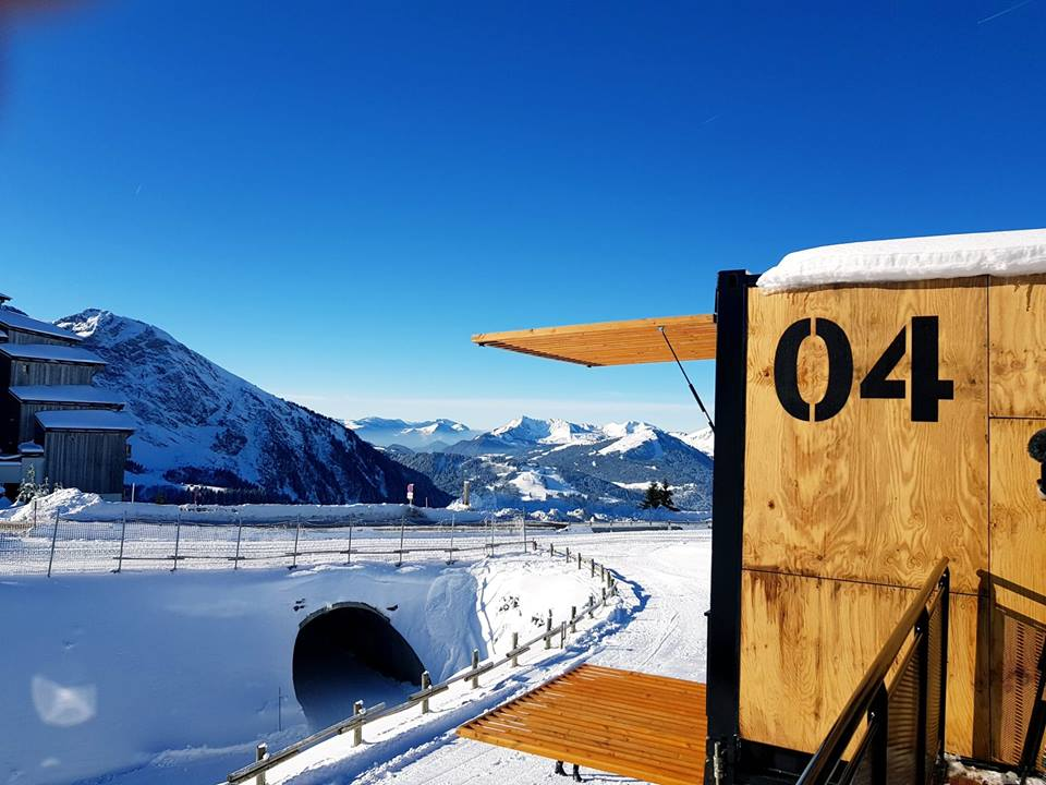 flying-nest-avoriaz-container