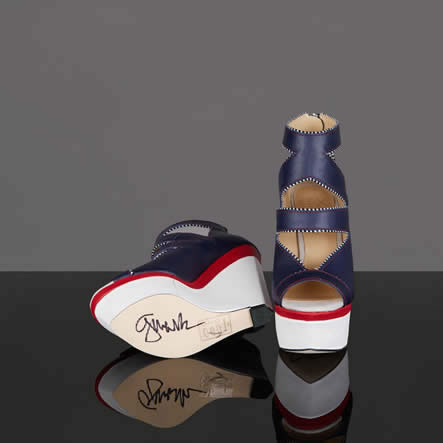 gwen-stefani-signed-gx-shoes