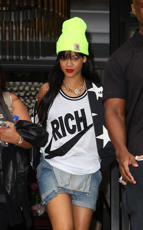 wikifashion-rihanna-carhartt-sneakers-big